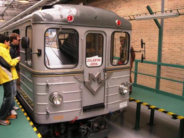 Zážitkové jízdy historickým metrem jsou dočasně pozastaveny. Foto Hospodářská komora Praha