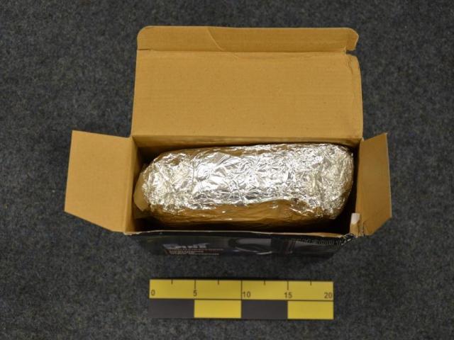 Zásilka obsahovala nedovolená anabolika, foto Celní úřad Praha Ruzyně