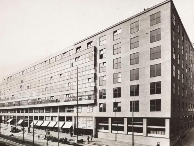 Veletržní palác během 30. let, výstava Příběh Veletržního paláce, foto NG Praha