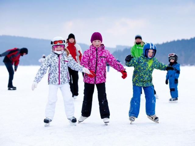 Zimní Lipno s rodinou na 8 dní s polopenzí, wellness a slevovou kartou Lipno Card