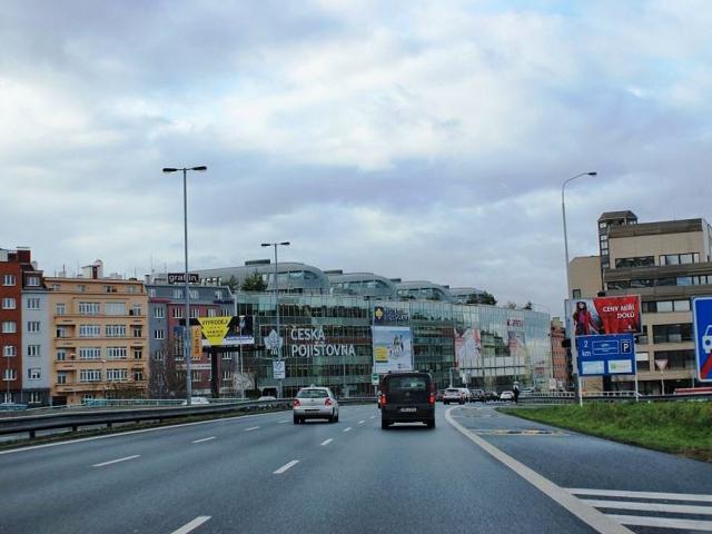 Praha 4 nesouhlasí s osmdesátkou na magistrále kvůli hluku