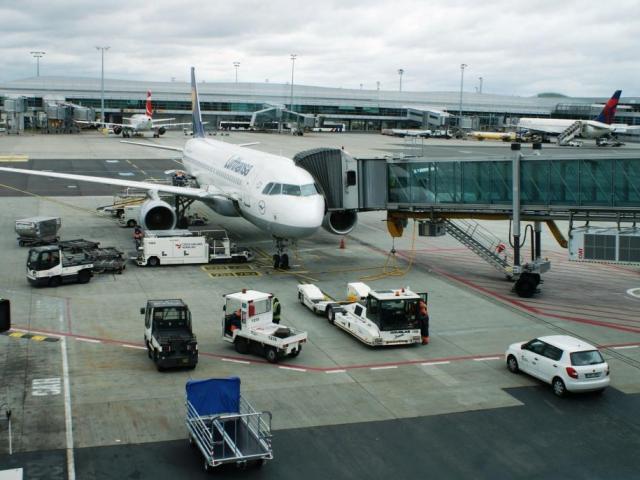 Letiště Václava Havla Praha loni odbavilo přes 12 milionů cestujících, foto Praha Press