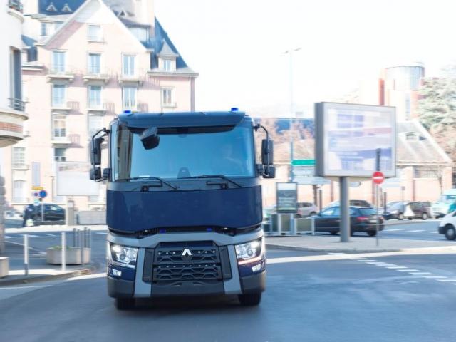 Vozidla Renault Trucks T 430 v konfiguraci 6x2, foto Renault Trucks