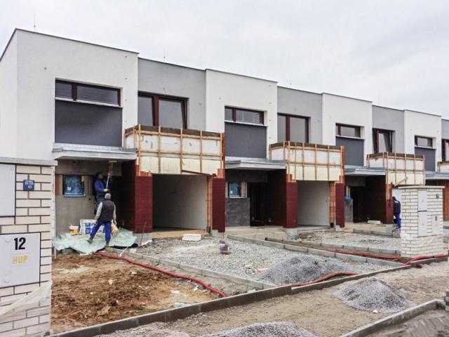 Mezi zájemci o nové bydlení v Praze byl loni nižší podíl cizinců, nahradili je Češi. Foto Central Group