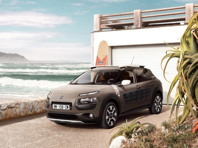 Citroën C4 Cactus Rip Curl: 100% outdoorová verze, foto CITROËN
