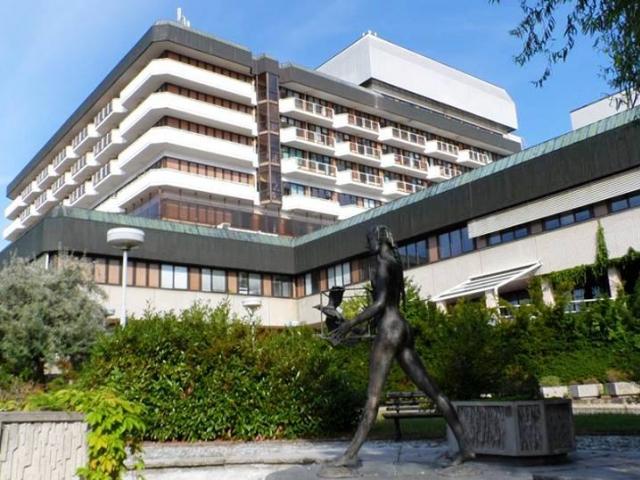 Homolka získala od dárců nový ultrasonograf pro neurochirurgii za 1,8 milionu korun. Foto Nemocnice Na Homolce