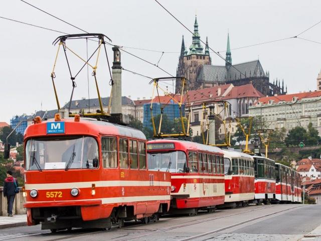 """Populární mazací tramvaj """"Mazačka"""" se vrátí na koleje v červenci. Foto DPP"""