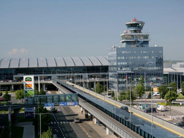 Letištní expres AE pojede v sezoně každých 10 minut. Foto Letiště Praha, a.s.