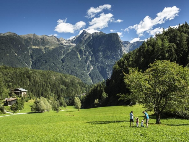Rodinný výlet k jezeru Piburger See, © Ötztal Tourismus / Christoph Schöch