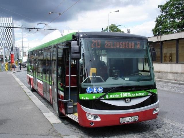 Elektrobus SOR je testován s cestujícími na linkách 163 a 213, foto DPP