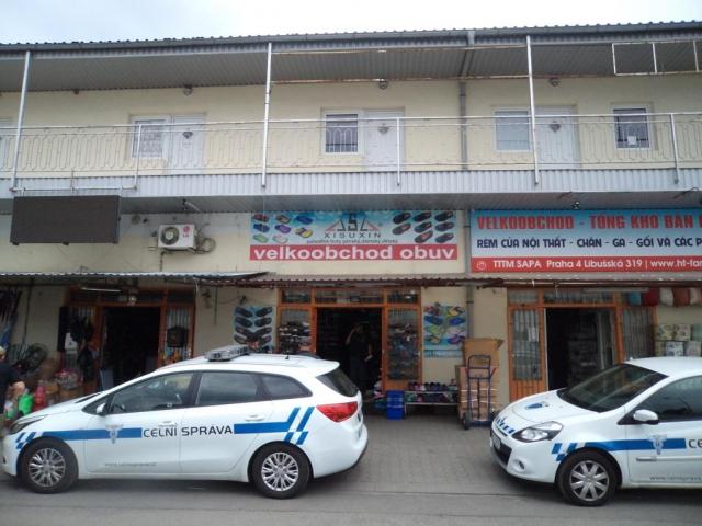 Pražští celníci provedli razii v tržnici Sapa, foto Celní úřad pro hlavní město Prahu