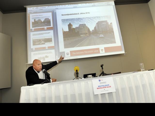 Starosta Prahy 1 Oldřich Lomecký představil plán revitalizace Revoluční ulice, foto ÚMČ Praha 1
