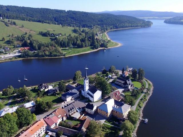 Hotel Maxant nabízí pohodlné ubytování a příjemnou rekreaci pro seniory v okolí Lipenské přehrady formou cenově zvýhodněného pobytového balíčku.