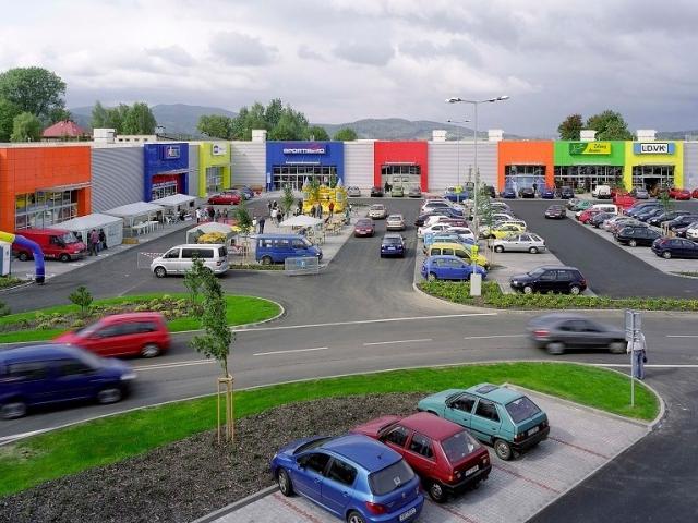 Český trh nákupních parků ovládají zahraniční firmy, foto Cushman & Wakefield