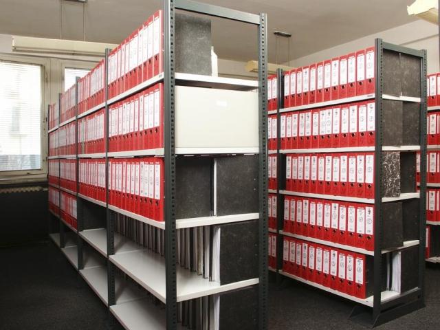 Jak vybrat vhodné regálové systémy? Společnost DIRP nabízí řešení pro vaši kancelář i sklady