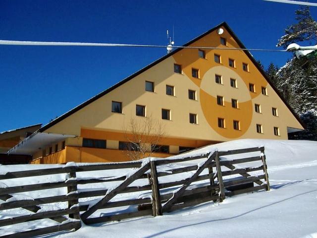 Lyžování a zimní wellness pobyt v srdci Vysočiny v Hotelu Svratka