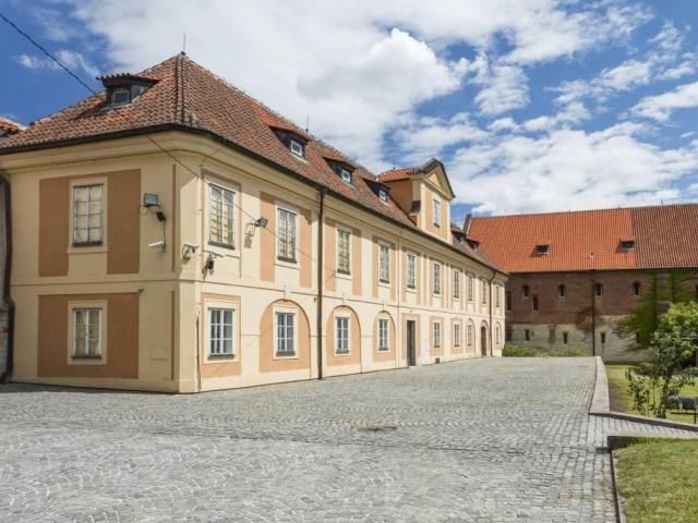 Zpřístupněné zahrady Anežského kláštera nabízí nový prohlídkový okruh. Foto Národní galerie