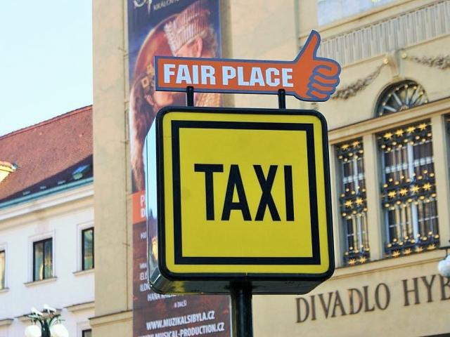 Postihy za nelegální taxislužbu a porušování pravidel se zpřísní. Foto Praha Press