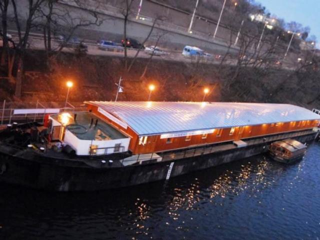Volná místa bezdomovcům ještě nabízí loď Hermes, foto Magistrát hl. m. Prahy