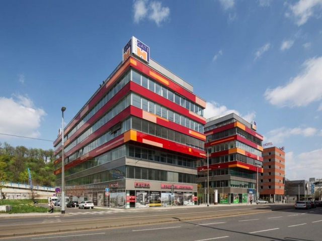 Kancelářskou budovu Smíchov Gate kupuje český investor Redside, foto Cushman & Wakefield