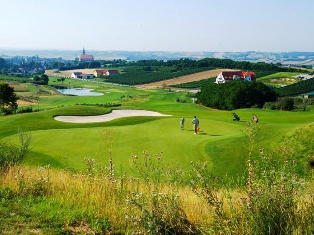 Víno & Golf, Rakousko poblíž hranic, 4* Golf Hotel Veltlin na 3 dny