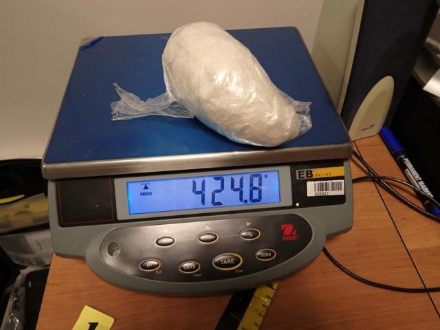Pašerák kokainu zadržen na letišti, foto Celní úřad Praha Ruzyně