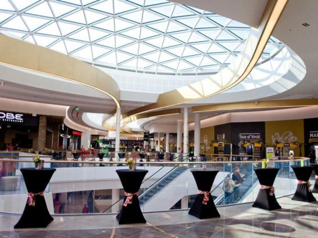 Centrum Chodov dnes otevřelo rozšířenou a relokovanou restaurační zónu s názvem Grand Kitchen. Foto Centrum Chodov