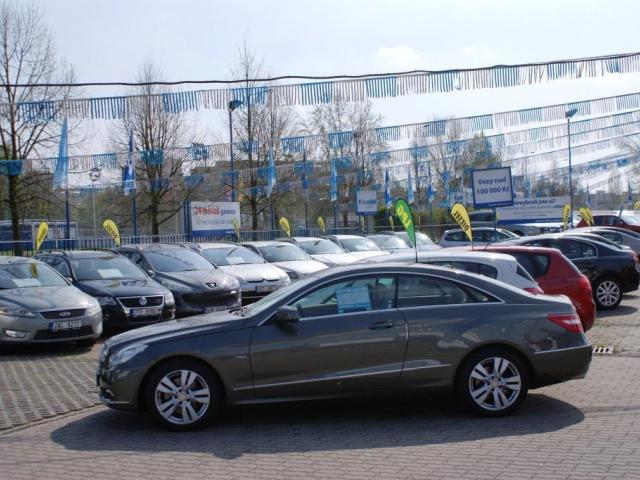 Česká obchodní inspekce pravidelně kontroluje nabídku a prodej použitých motorových vozidel, ilustrační foto Praha Press
