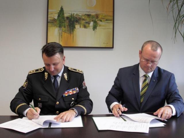 Potravinářská inspekce a Policie ČR si budou předávat informace. Foto SZPI