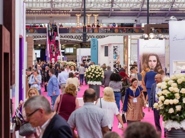 Šperky v hodnotě miliardy liber můžete spatřit v Londýně, foto: Reed Exhibitions Limited