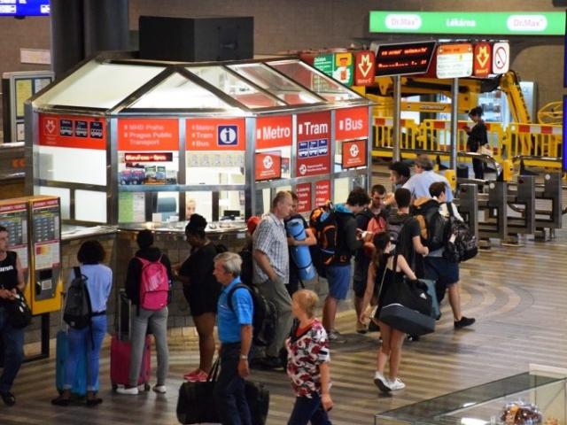 Na Hlavním nádraží je otevřeno nové Infocentrum. Foto DPP