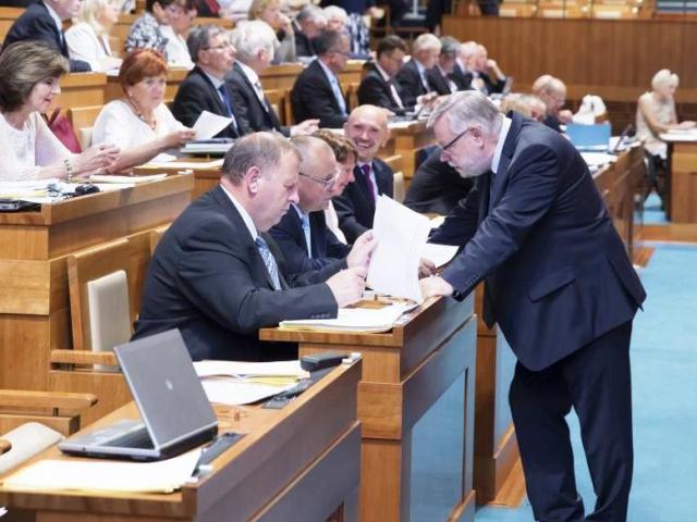 Senát projedná v polovině srpna další návrhy zákonů, foto Senát PČR