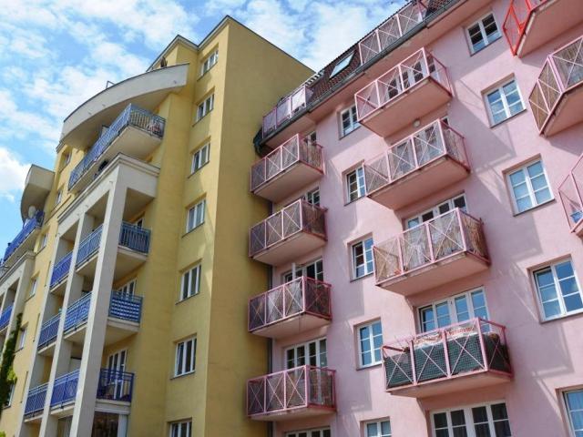 Nabídka i prodej bytů v Praze klesá, foto Praha Press