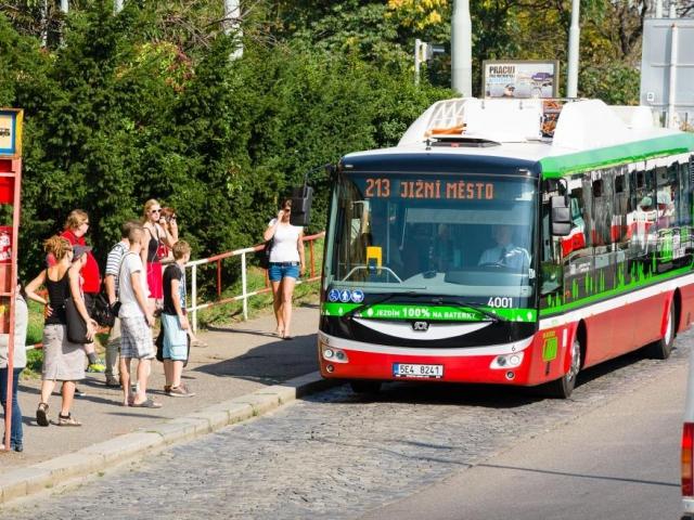 Elektrobusy budou jezdit z Palmovky do Letňan, foto DPP