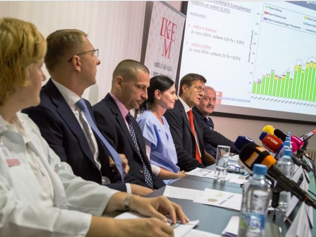 Čeští lékaři zachránili život náročnou transplantací. Foto IKEM