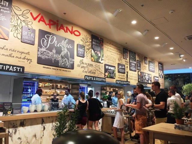 Obchodní centrum Quadrio nabízí pestrou nabídku z oblasti gastronomie, foto Cushman & Wakefield