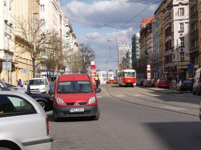 Praha vyčlenila půl miliardy na chodníkový program. Foto Praha Press
