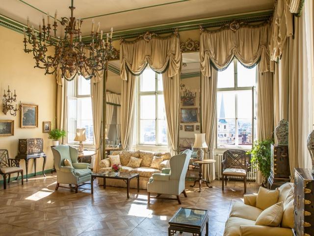 Britská velvyslankyně Jan Thompsonová ukáže návštěvníkům svou rezidenci, foto Britské velvyslanectví v Praze