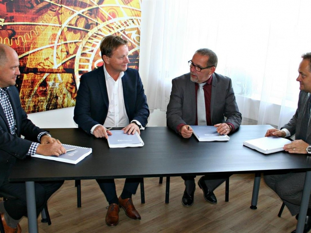Byla podepsána smlouva na výstavbu nové radnice v Praze 12, foto ÚMČ Praha 12