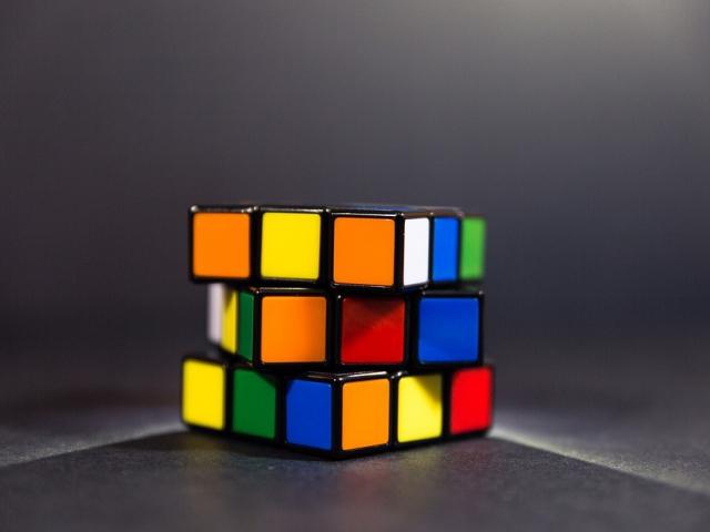 Překonáte konkurenci ve skládání Rubikovy kostky na mezinárodní soutěži? Foto pixabay.com