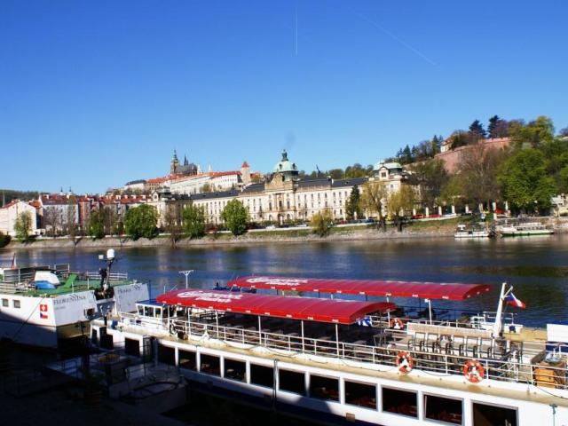 Praha hledá kurátora náplavek. Foto Praha Press