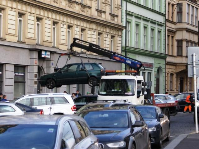 Sankce za vydávání doporučených cen odtahových služeb. Foto Praha Press