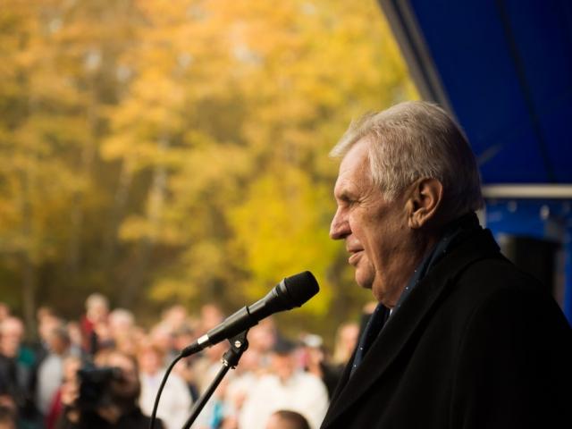 Prezident republiky protestoval proti lživému článku o okupaci Československa, foto Pražský hrad
