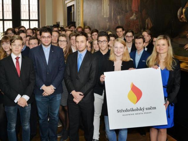 V Praze vznikl středoškolský sněm, studenti chtějí přednostně řešit dopravu a stravování, foto MHMP