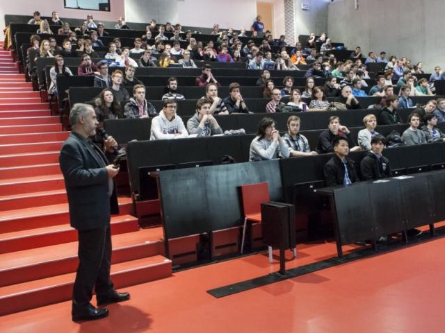 Laboratoře ČVUT se otevírají zájemcům o studium, foto: ČVUT.