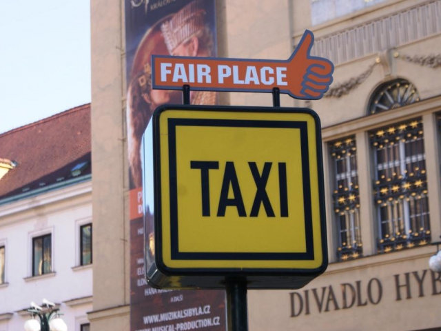Uber je taxislužba a musí mít licenci, foto: Praha Press