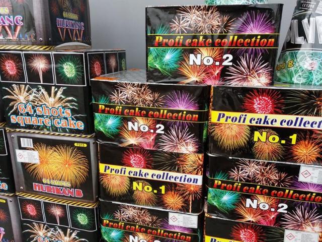 Probíhá kontrola prodeje zábavné pyrotechniky, foto Celní úřad pro hl. m. Prahu