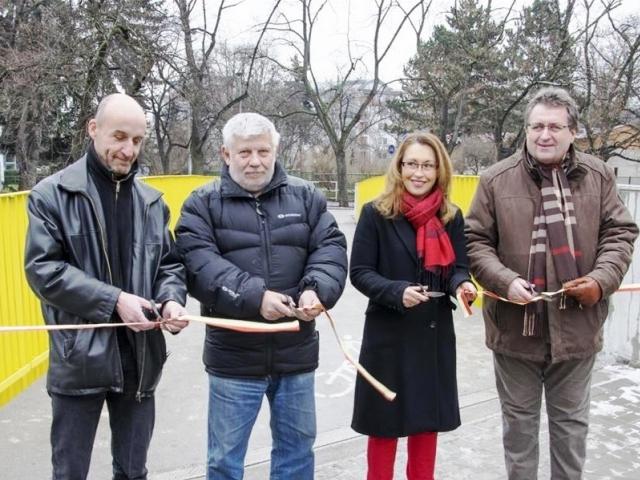 Obyvatelé Prahy 10 se dočkali nového mostku přes potok Botič, foto: ÚMČ Praha 10.