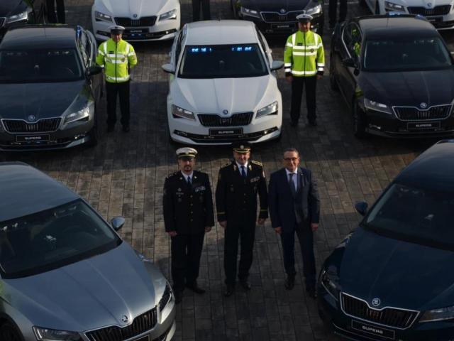 Policejní prezident převzal nová vozidla, foto Policie ČR