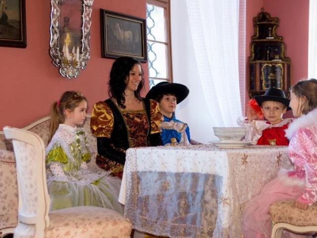 Nové dětské a výukové programy pro základní a mateřské školy na zámku Karlova Koruna